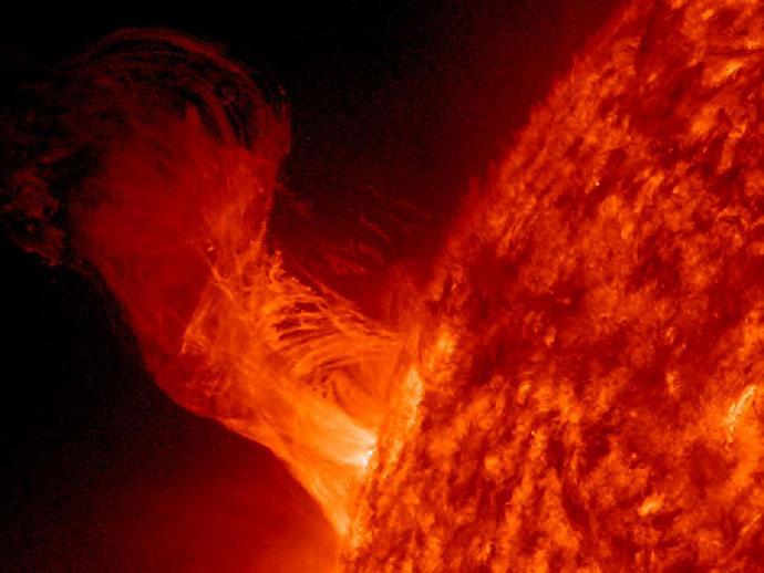 НАСА зафиксировала невероятные взрывы на Солнце