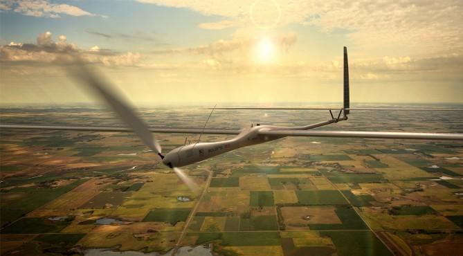 Беспилотники на солнечных батареях смогут летать 5 лет